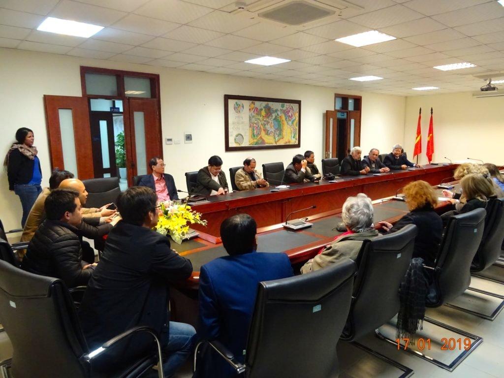 Réception au siège de l'Institut National des Géosciences et des Ressources Minières à Hanoï